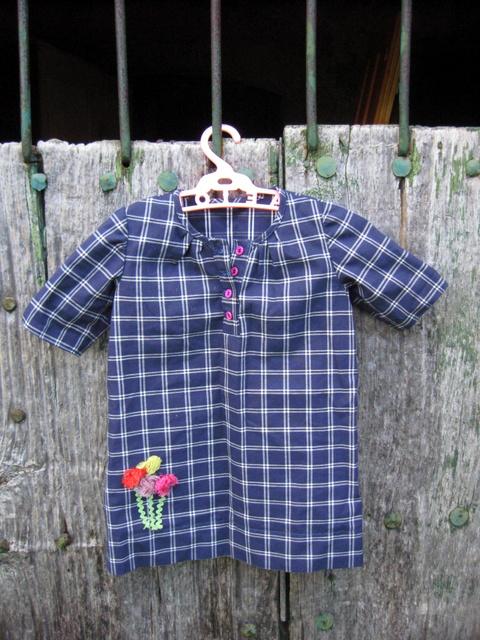 Vestido para niña (Burda Style 06/2010, modelo 149)